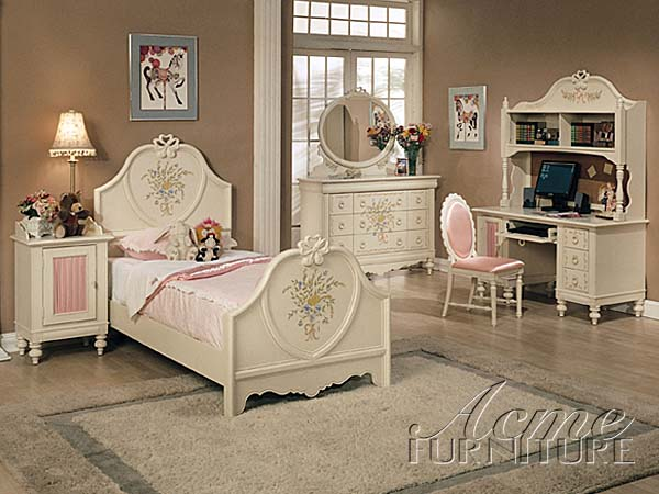 Make your miniature room look real